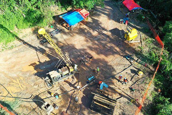 drilling-at-adumbi3B529193-631A-4048-0933-B997CBAD670A.jpg